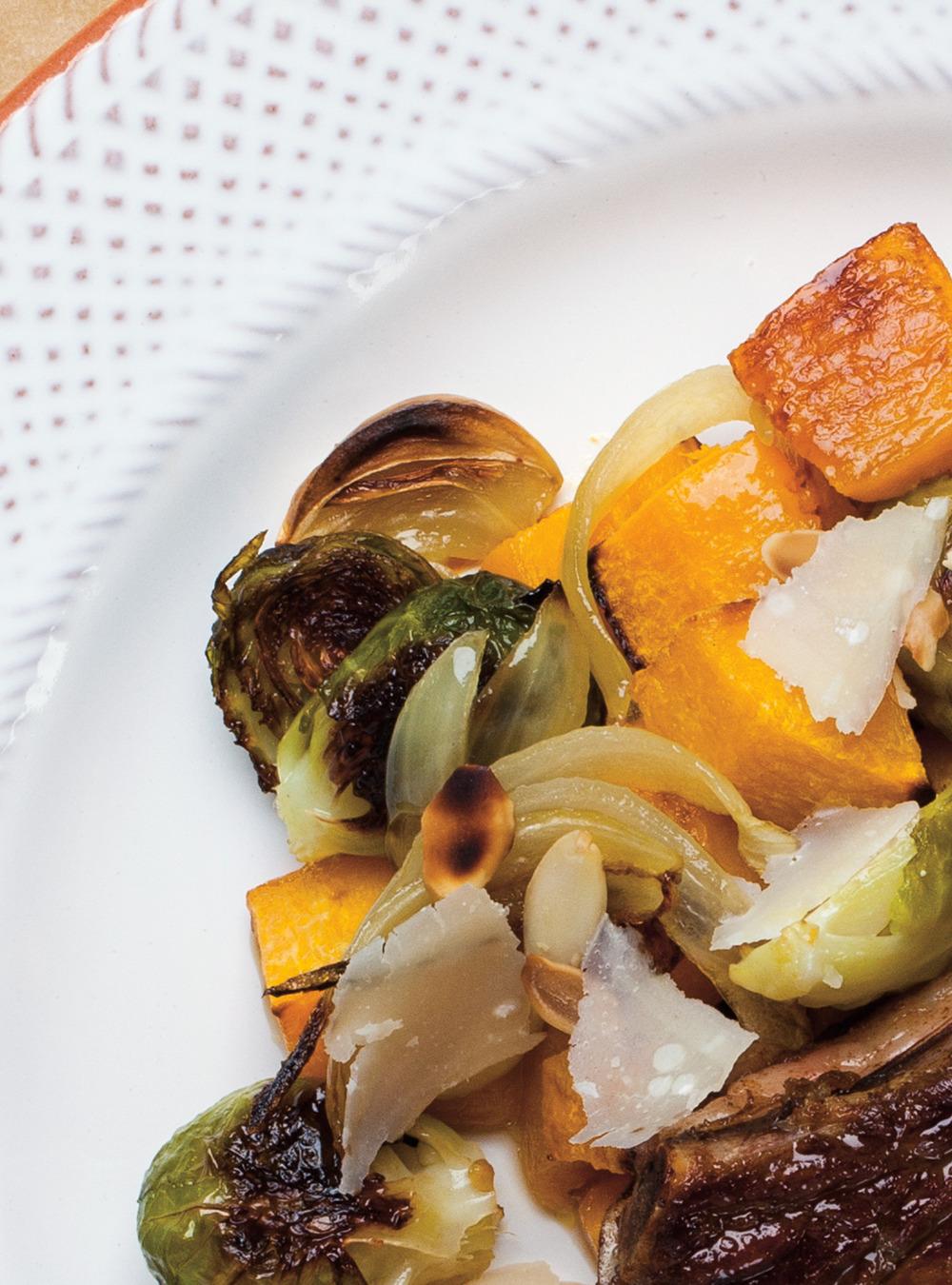 Courge et choux de bruxelles aux amandes et au parmesan - Choux de bruxelles recette gratin ...