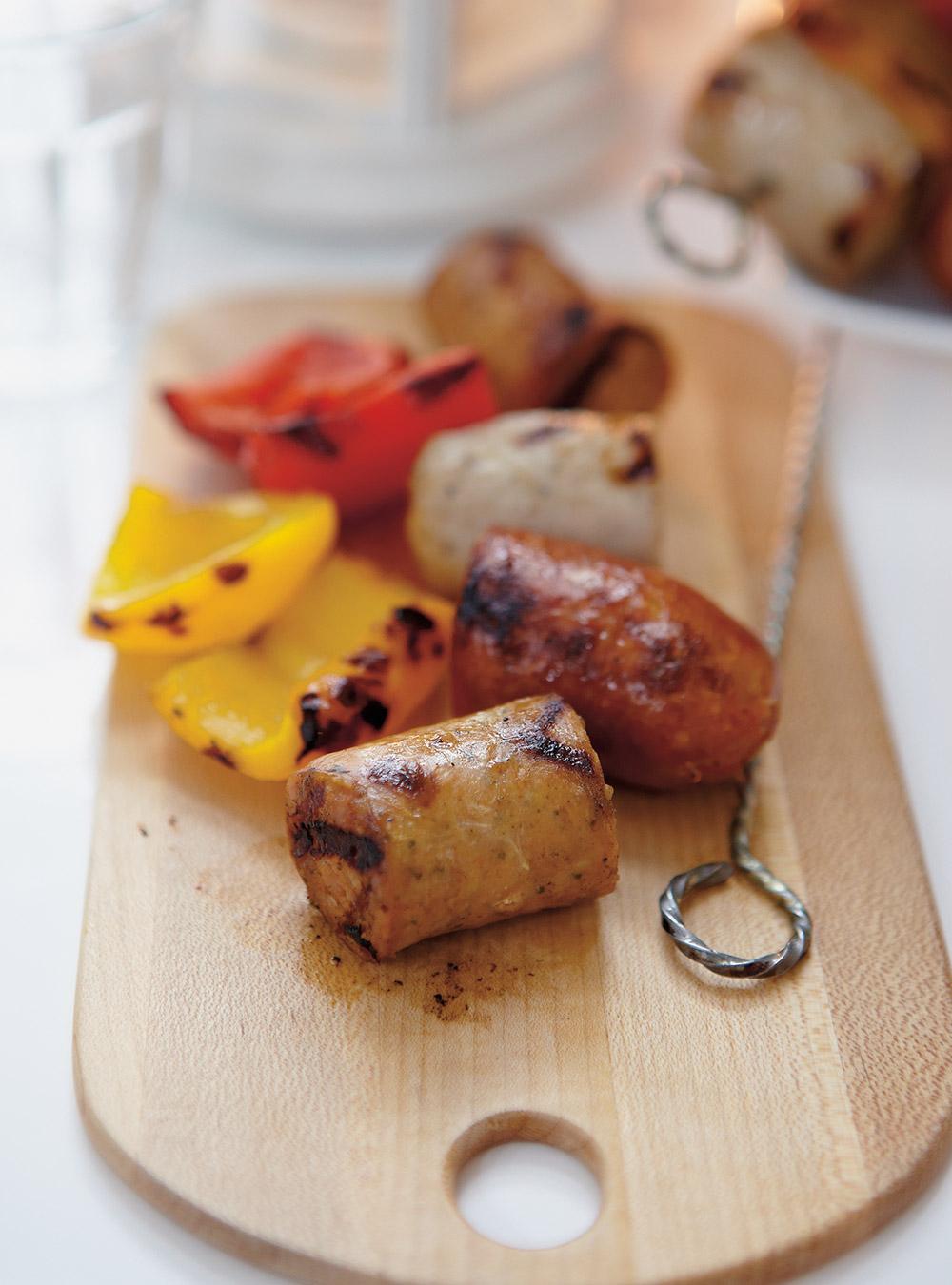 Brochettes de saucisses et de poivrons