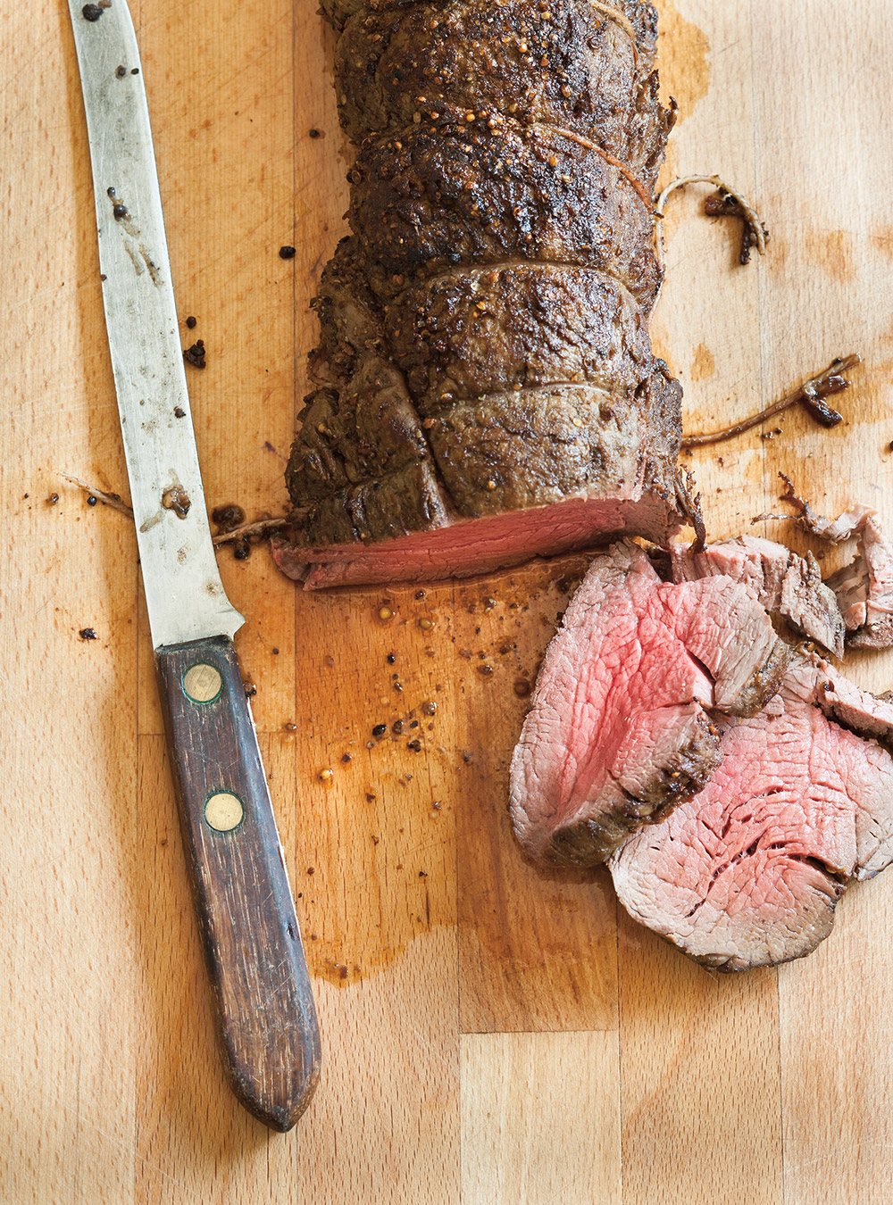 Roasted Beef Tenderloin With Caramelized Onions Ricardo