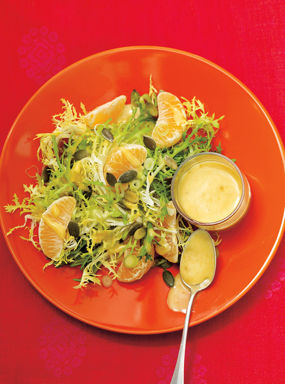 christmas green salad with creamy clementine dressing ricardo