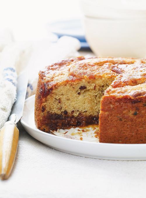 Gâteau au caramel et aux dattes