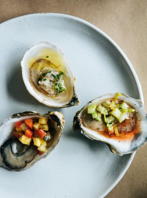 Huîtres et salsa exotique à l'ananas et au kiwi