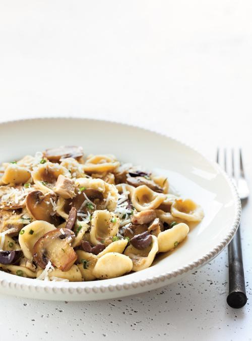 Orecchiettes au poulet aux olives et aux champignons ricardo - Cuisiner le poulet en sauce ...