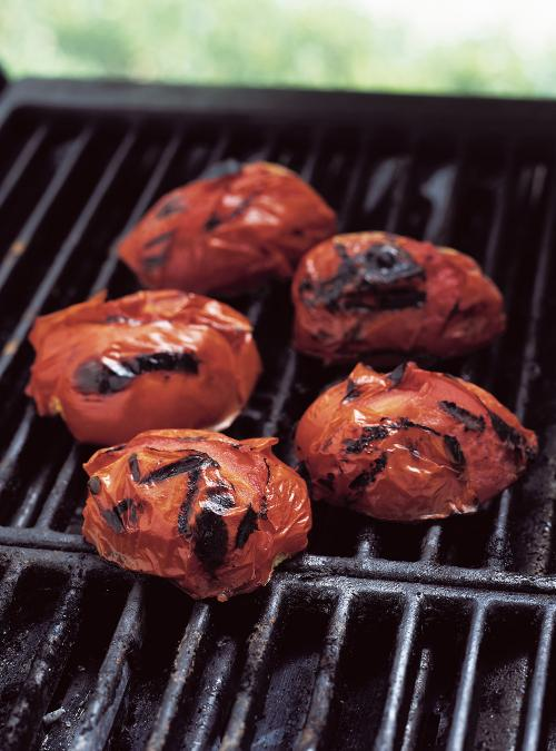 sauce aux tomates grill es sur le barbecue ricardo. Black Bedroom Furniture Sets. Home Design Ideas
