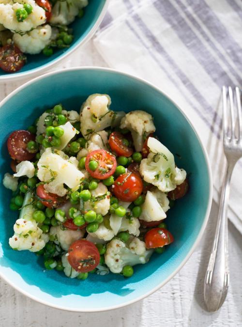 Salade de chou fleur et de petits pois ricardo for Article de cuisine ricardo