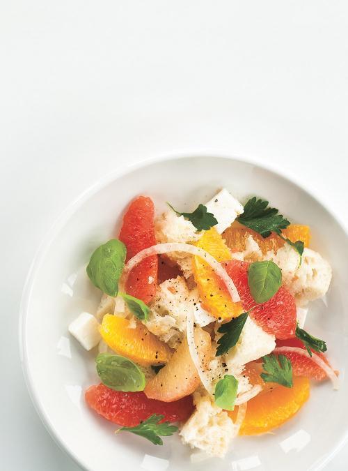 Panzanella aux agrumes et à la feta
