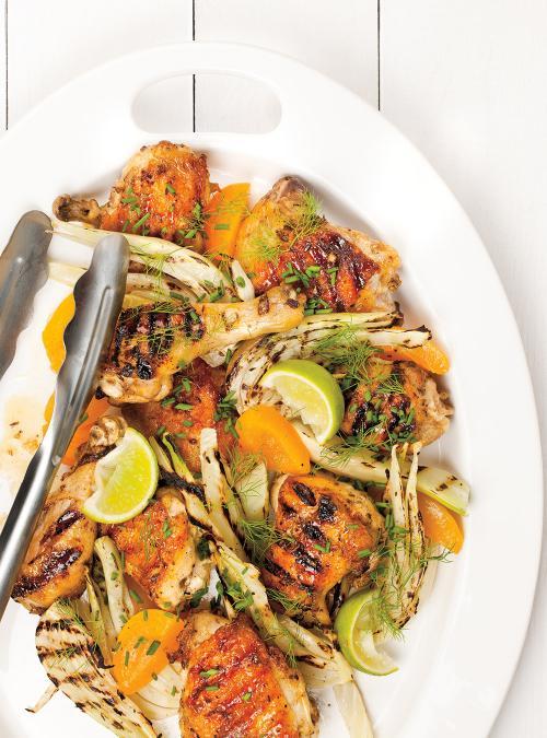 Poulet grillé au fenouil et aux abricots