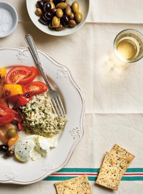 Salade de poulet et antipasti