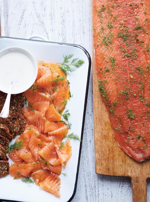 Gravlax de saumon au gin et aumiel