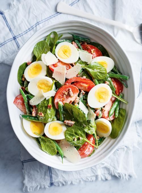 salade repas aux haricots tomates et ufs durs ricardo. Black Bedroom Furniture Sets. Home Design Ideas