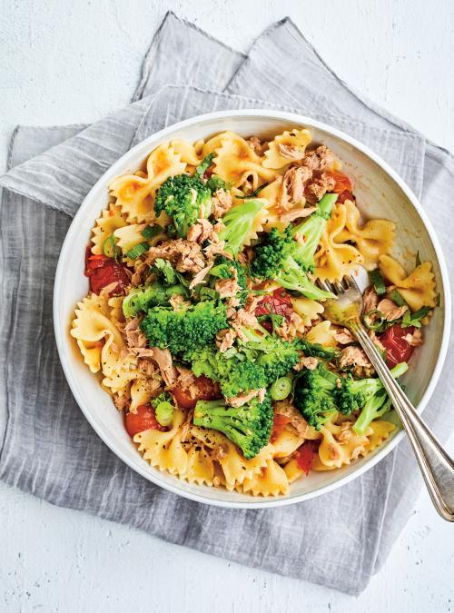 Salade Tiede De Pates Au Thon Et Au Brocoli Ricardo