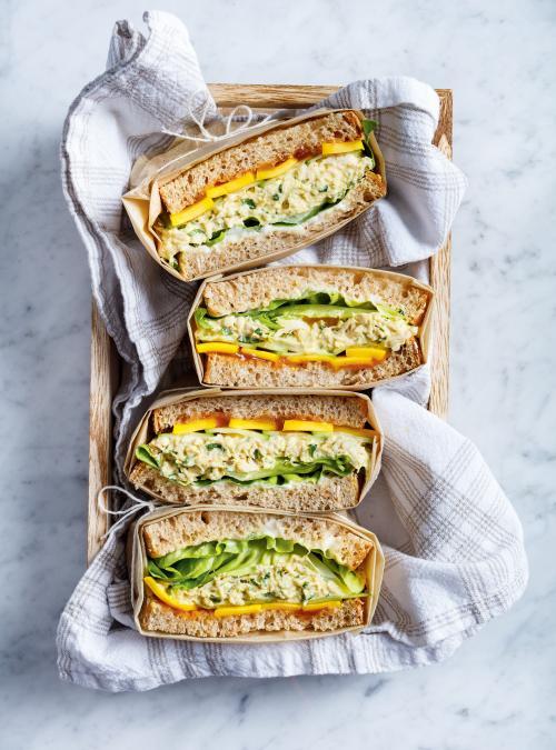 Sandwich au poulet à la mangue