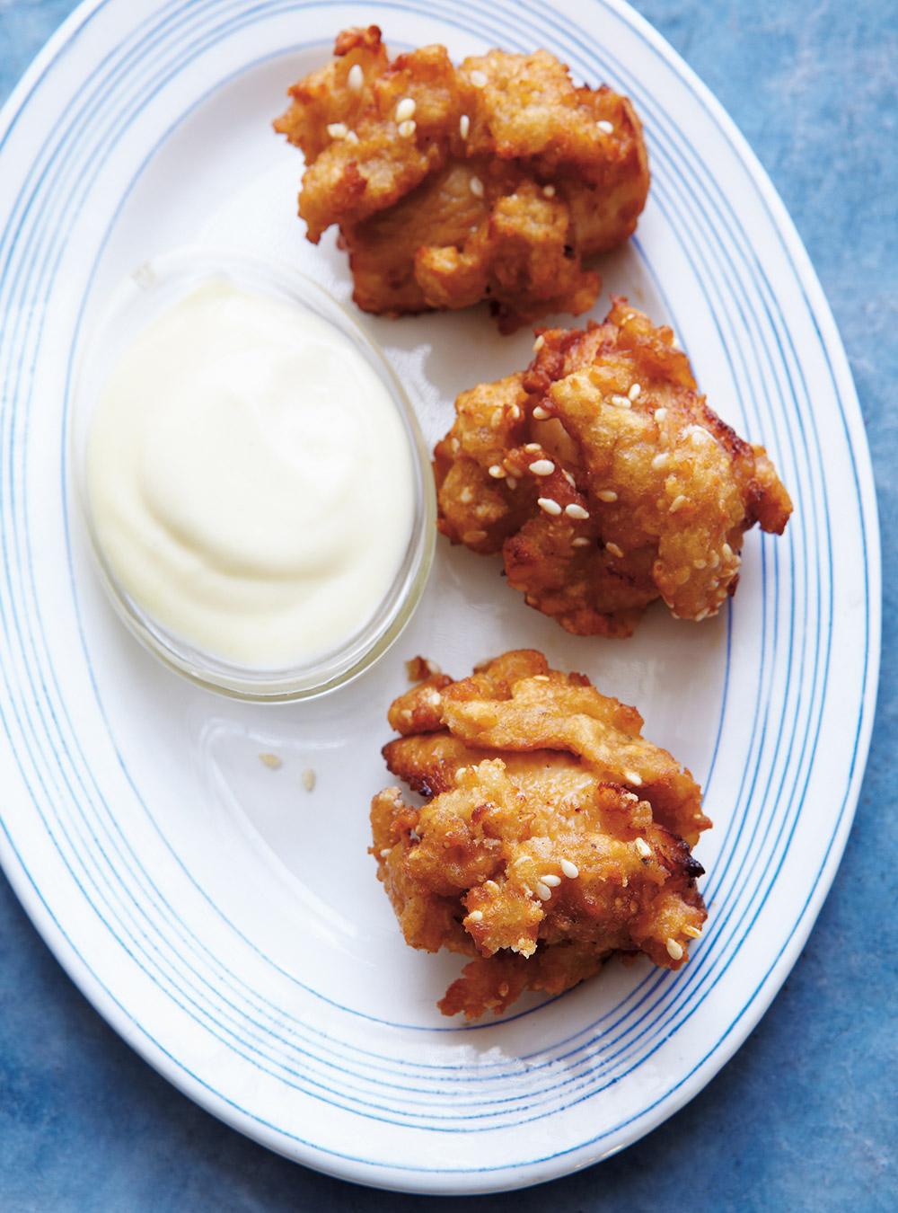 recette poulet frit au s same glouton. Black Bedroom Furniture Sets. Home Design Ideas