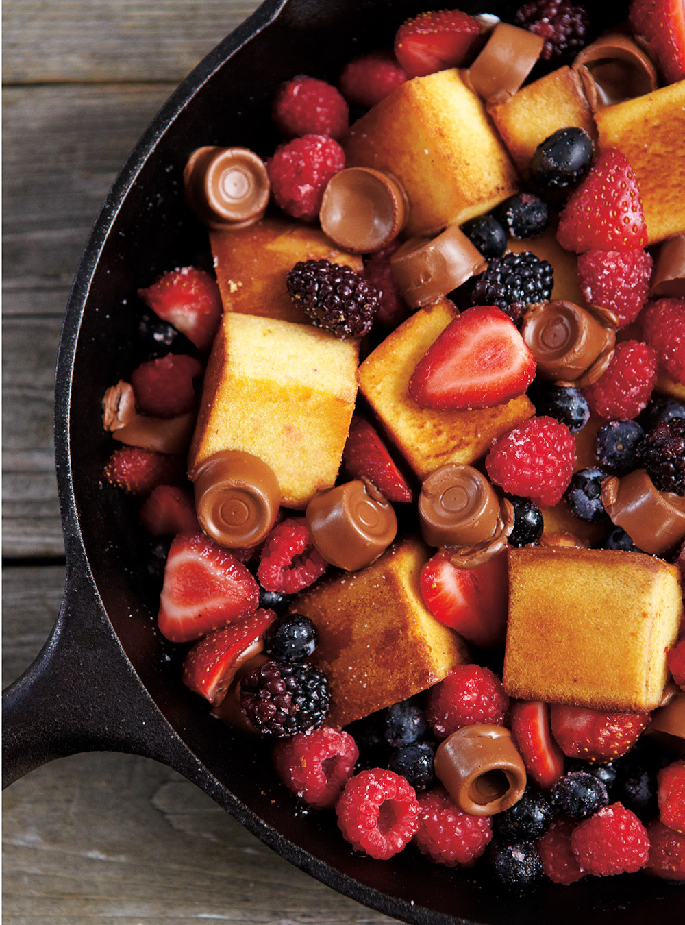 Berry Chocolate And Cake Skillet