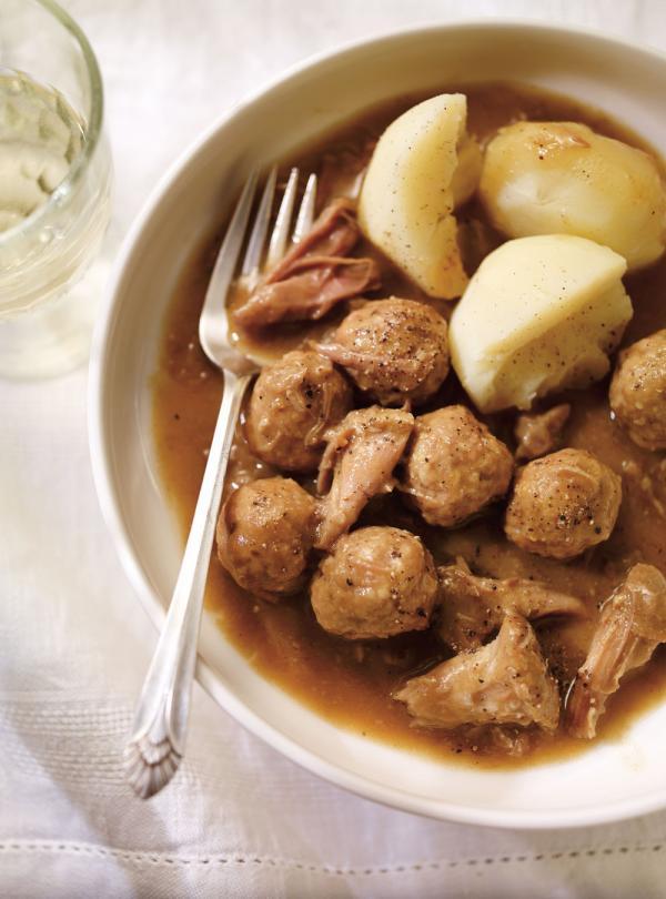 Rago t de boulettes et de pattes de cochon ricardo for Article de cuisine ricardo