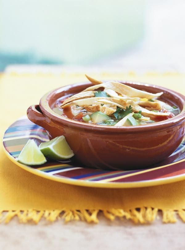 Soupe mexicaine au poulet et aux tortillas ricardo - Cuisine mexicaine tortillas ...