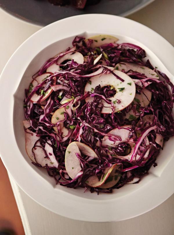 Salade de chou rouge à la pomme et aux canneberges   Ricardo