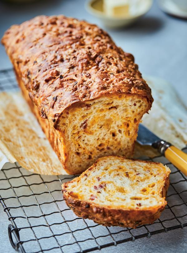 Cheddar bacon bread ricardo - Machine a pain boulanger ...