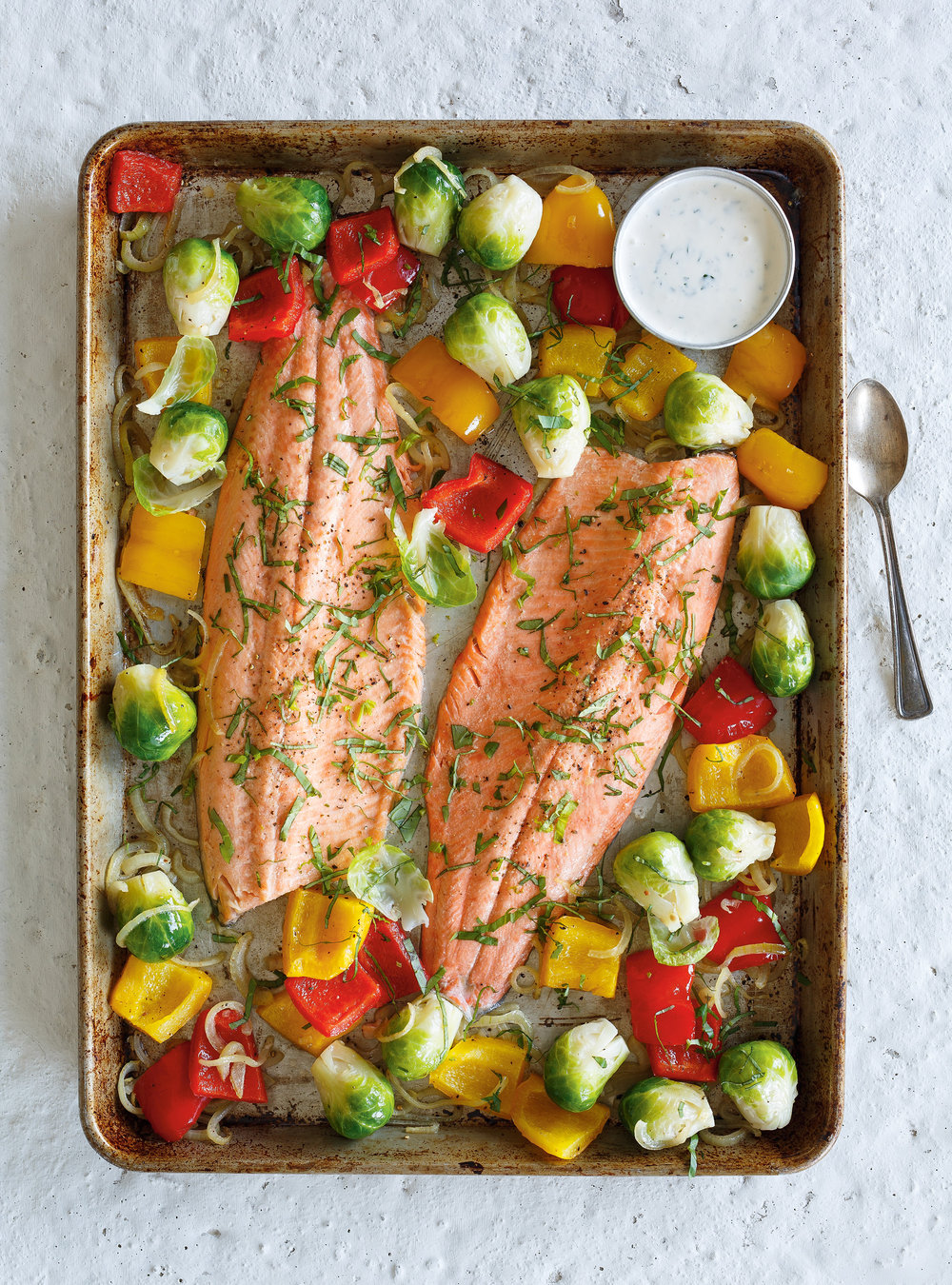 Baked Trout with Roasted Vegetables | Ricardo