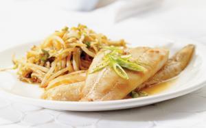 Comment prélever les filets d'un poisson cuit entier