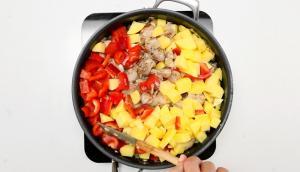 Mijoté de dindon aux pommes de terre et aux poivrons