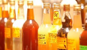 Les bouteilles de punch du marché de Fort-de-France
