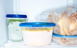 Congeler dans des contenants en plastique