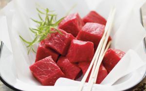 Couper de la viande