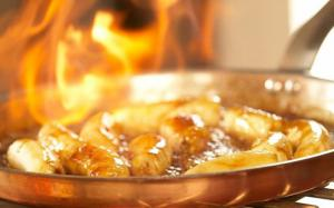 How to safely flambé