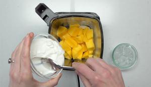 Smoothies à la mangue et à la banane