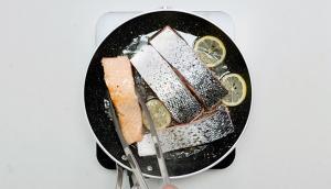 Saumon froid, taboulé et petits pois