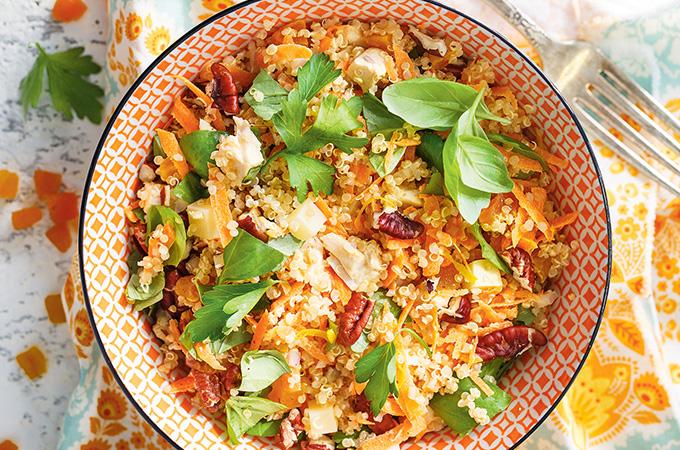 Salade de quinoa au poulet et aux abricots séchés