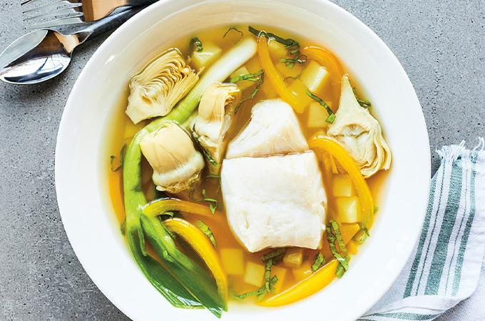 Morue pochée aux légumes et à l'oseille
