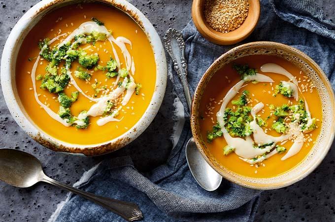 Crème de carottes au tahini et au brocoli