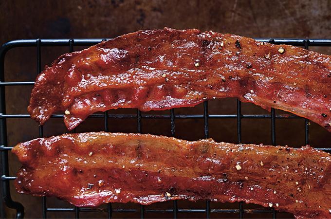 Bacon glacé au poivre et au balsamique