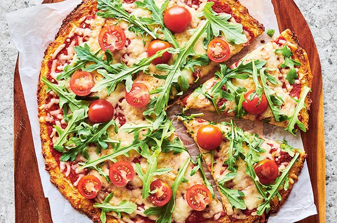 Pizza avec croûte de chou-fleur