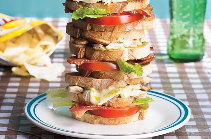 Club sandwich Everest