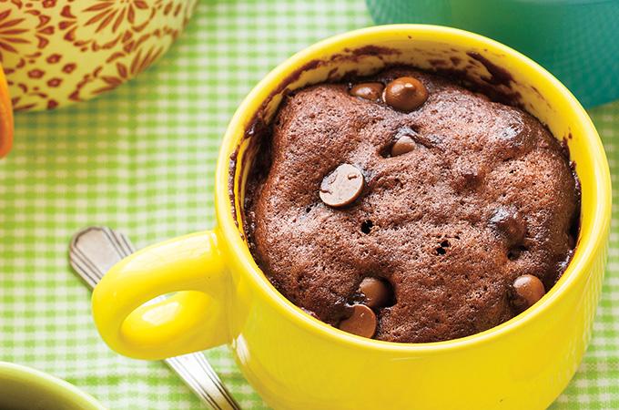 gateau-au-chocolat-dans-une-tasse