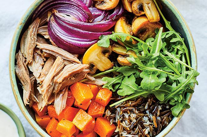 Bols de riz sauvage, courge, champignons et confit de canard