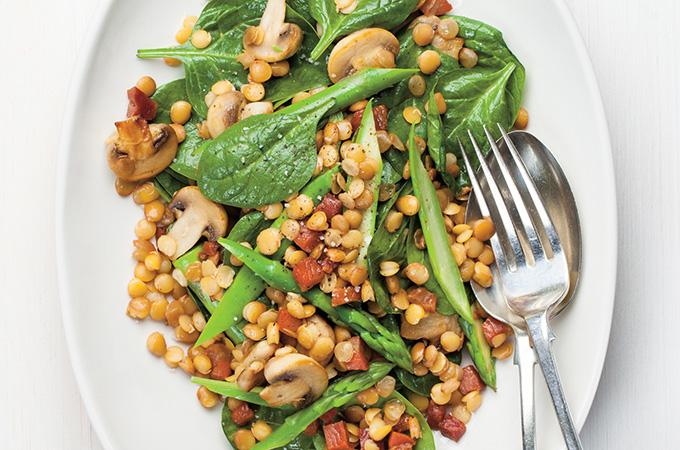 https://www.ricardocuisine.com/recettes/5786-salade-d-epinards-aux-lentilles-et-aux-asperges