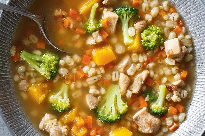 Soupe à l'orge et au brocoli