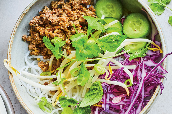 Bols thaï au bœuf épicé à partager
